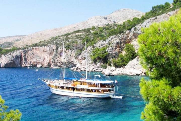 Blaue Reise Kroatien Motorsegler