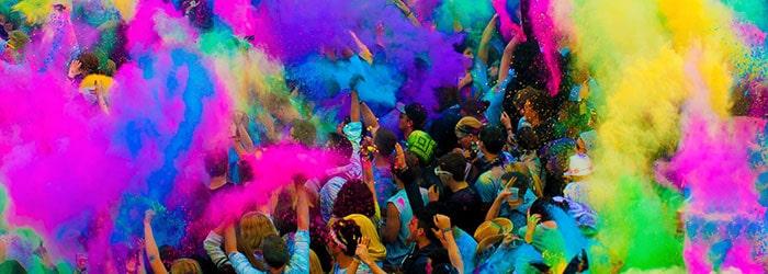 Fest der Farben: 1 Ticket für das Holi Festival of Colours inklusive 1x Farbbombe von Juni – August für 9,99€ p.P.