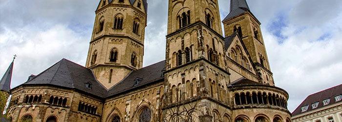 Nachtwärter-Fackeltour Bonn: Erkundung der besonderen Art mit vielen Geschichten für 10€ pro Person
