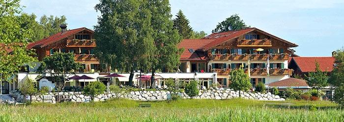 Parkhotel Soier See: 2-6 Nächte im 4* Hotel inkl. Frühstück, 1x 4-Gänge-Menü & Wellness von August – Oktober ab 159€ p.P.