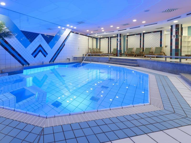 Dorint-Dresden-Schwimmbad-33663