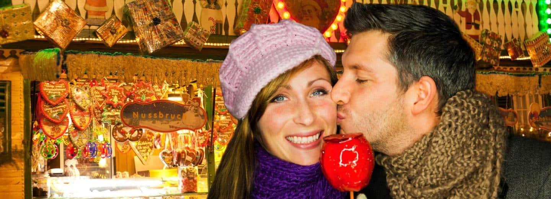 advent-paar-weihnachtsmarkt-detailblick-fotolia_1474981781369-fix