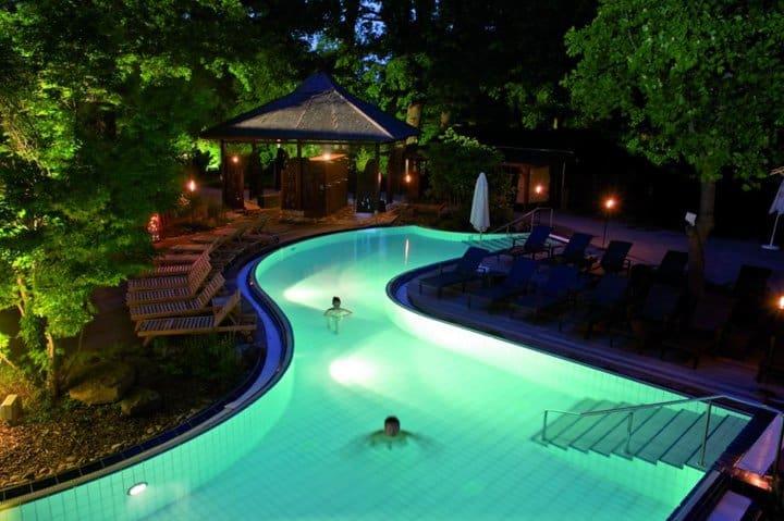 bali therme 1 nacht im 4 hotel fr hst ck wellness ab 59. Black Bedroom Furniture Sets. Home Design Ideas
