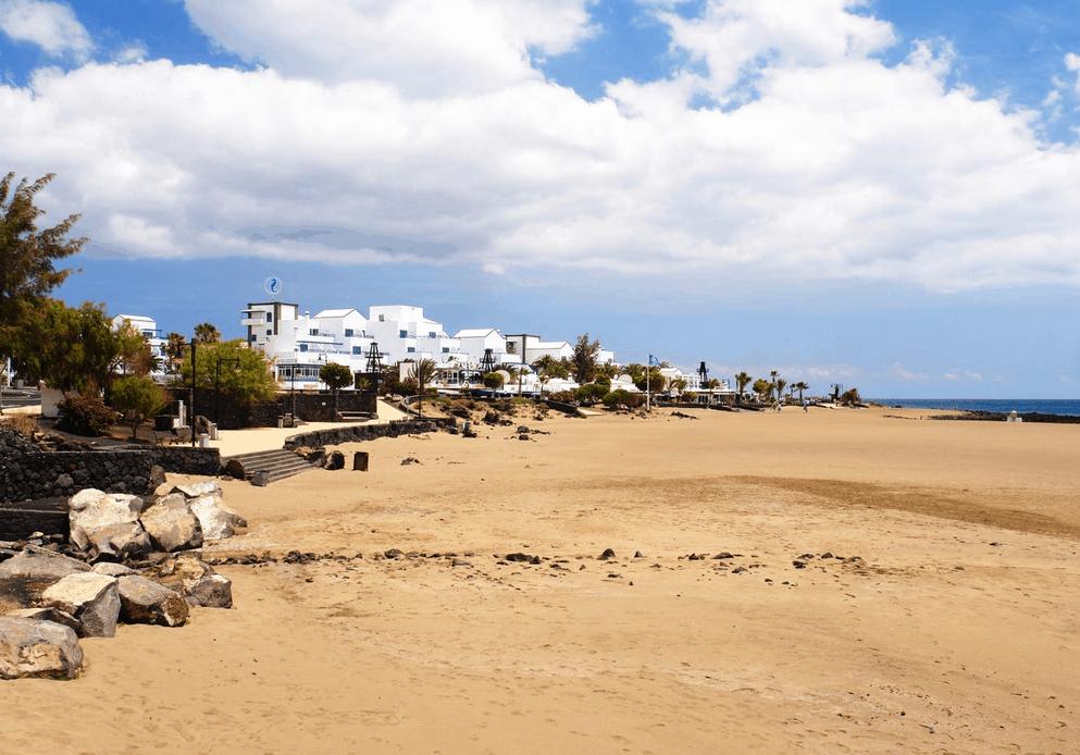 Lanzarote Urlaub Ausblick aufs Meer