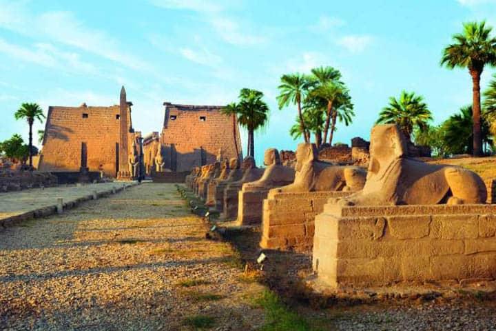 Nilkreuzfahrt und Baden Ägypten
