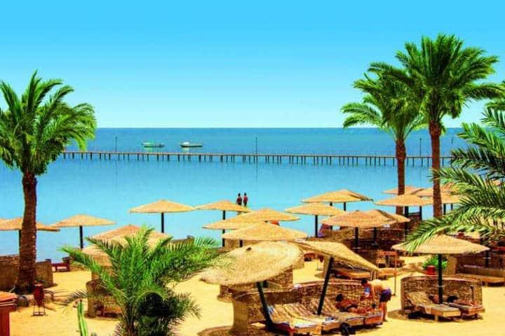Nil Kreuzfahrt Strand beim Hotel