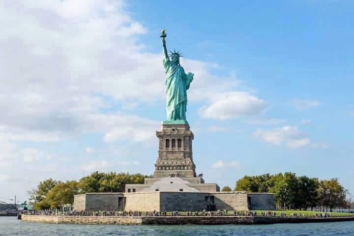 New York Reise Statue