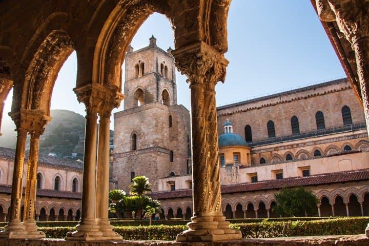 Sizilien Urlaub Stadt