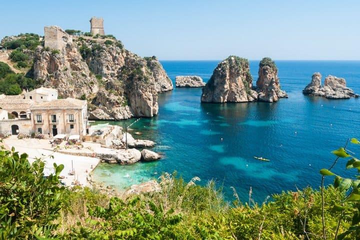 Sizilien Urlaub Felsen