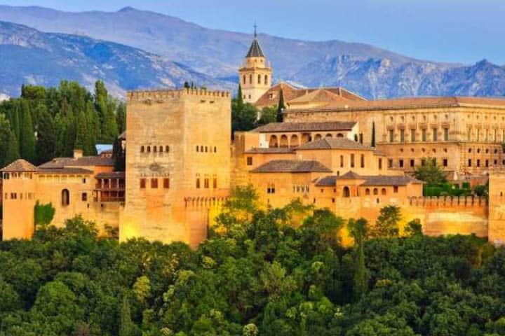 Andalusien Rundreise Burg