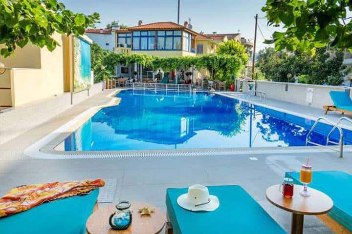 Thassos Urlaub Hotelpool