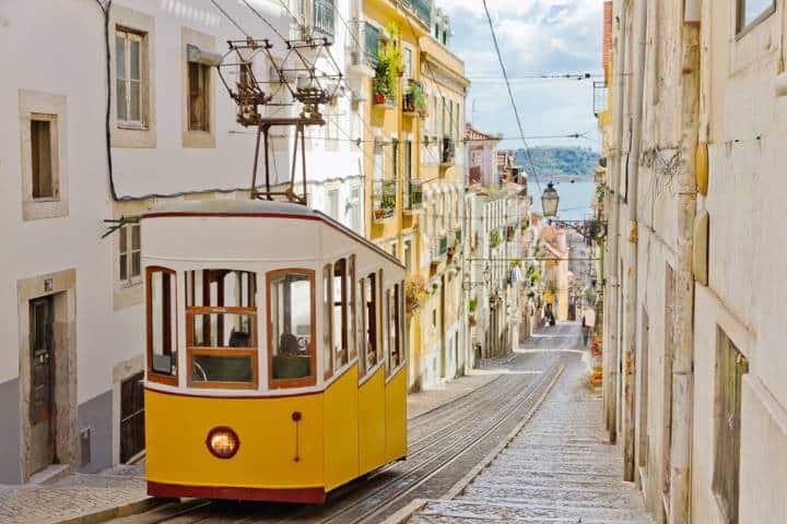 Städtereise Lissabon Bahn