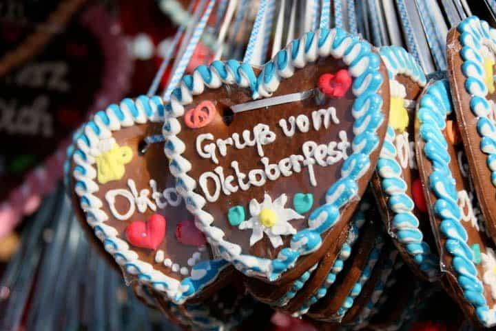 Oktoberfest in München Lebkuchenherz