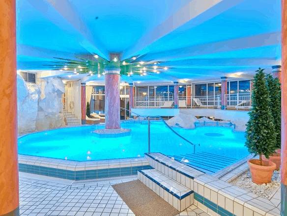 Thermenhotel Viktoria Pool