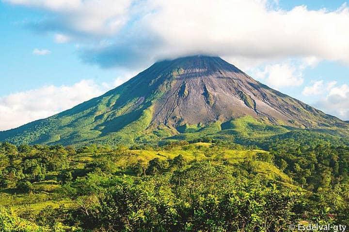Costa Rica Rundreise Vulkan