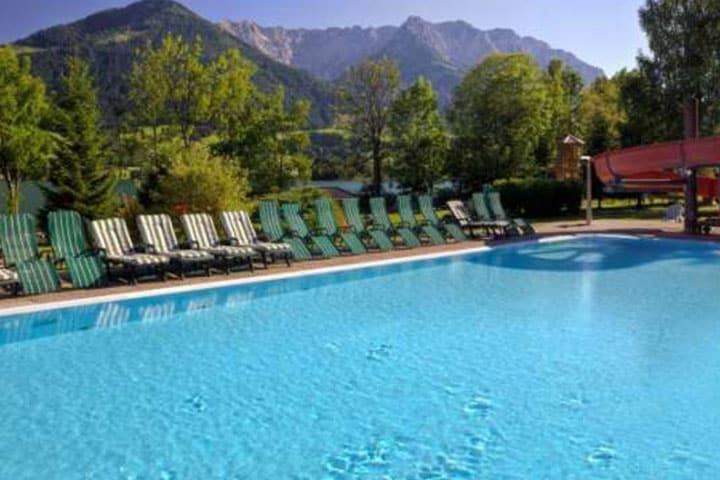 Walchsee Hotel Pool
